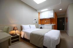 2241284-Urban-Place-Gangnam-Seoul-Guest-Room-3-DEF