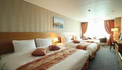 2241284-Ramada-Seoul-Jongno-Guest-Room-7-DEF