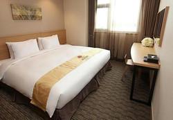 2241284-Hotel-Skypark-Dongdaemun-I-Seoul-Guest-Room-6-DEF