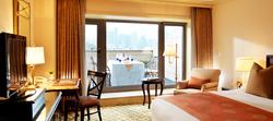 img_room_balconyDeluxe_03