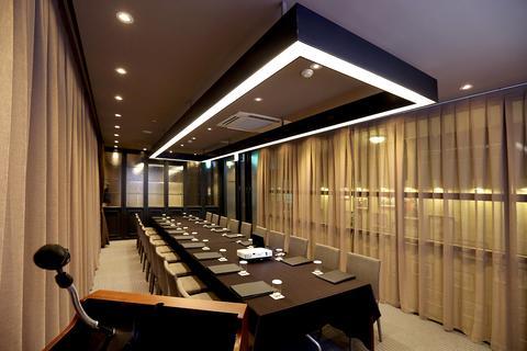 2241284-Urban-Place-Gangnam-Seoul-Hotel-Exterior-2-DEF