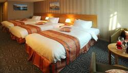 2241284-Ramada-Seoul-Jongno-Guest-Room-5-DEF