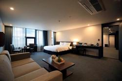 76042313-BEST-WESTERN-Jeju-Hotel-Suite-3-DEF