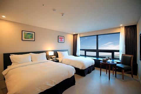 76042313-BEST-WESTERN-Jeju-Hotel-Guest-Room-1-DEF