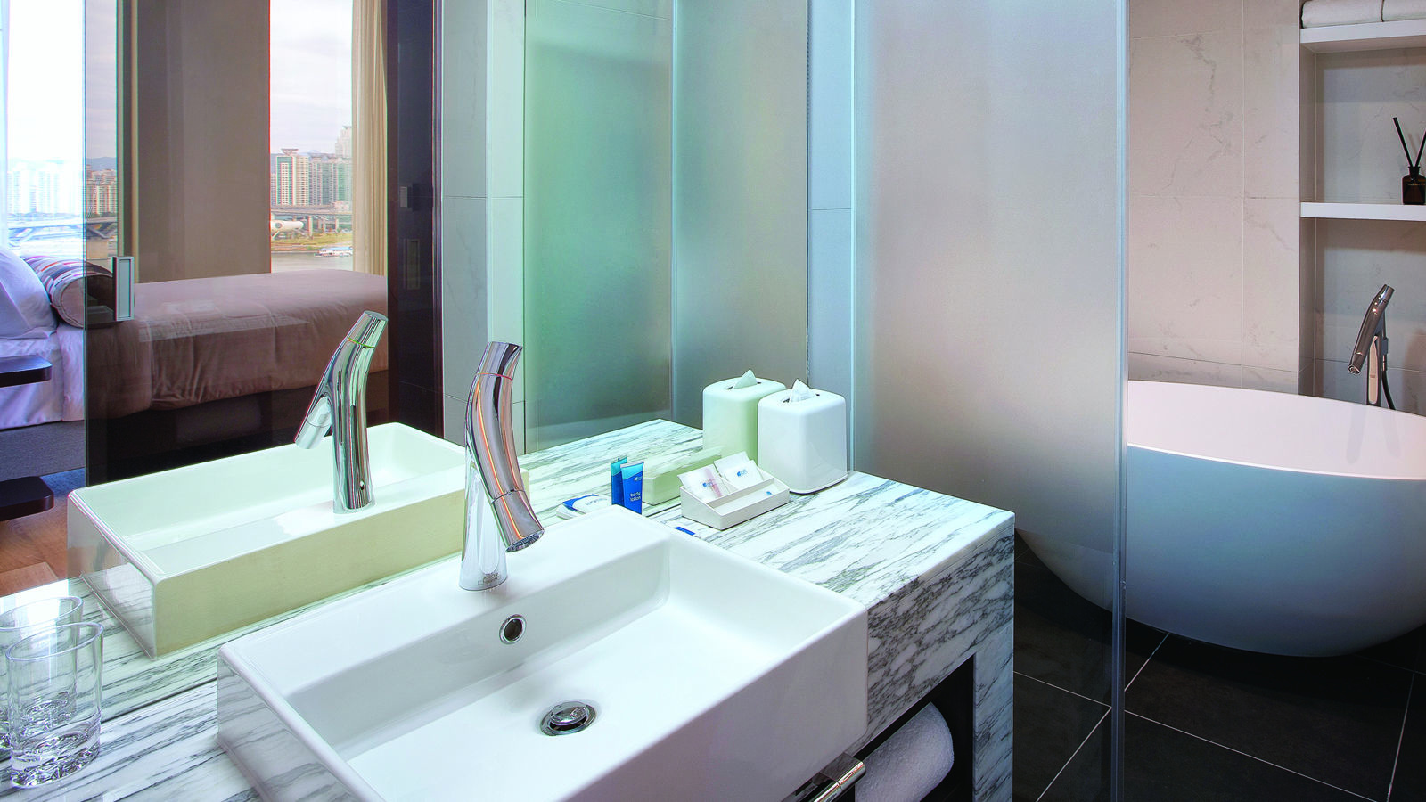 Aloft-Suite-Bathroom-1_Web