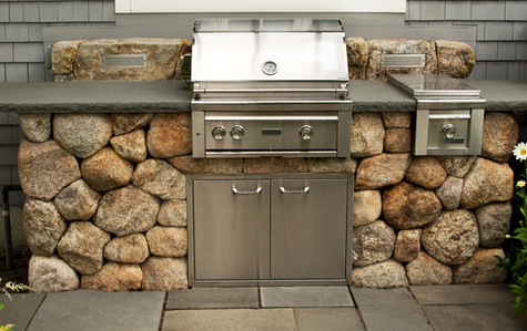 Custom Grilling Space