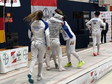Bericht: Team-Gold und Doppel-Bronze für Degenfechterinnen bei der DJM