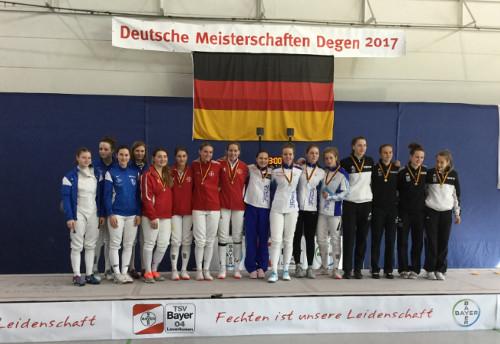 Deutsche Junioren Meisterschaft Mannschaft holt Silber im Teamwettkampf für das Leistungszentrum Fechtzentrum Solingen im Degen der Damen.