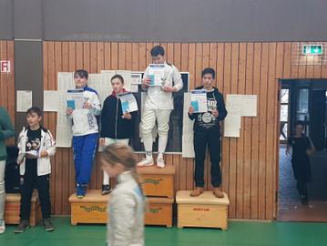 Säbelfechter holen drei Pokale in Wetzlar