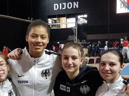 Degenfechterin Lisa Marie Löhr startete in Dijon im deutschen Team