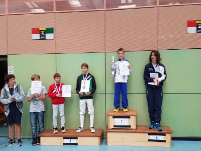 Fechtzentrum Solingen. Degenfechter mit Top-Platzierungen beim Lajos Csire-Turnier