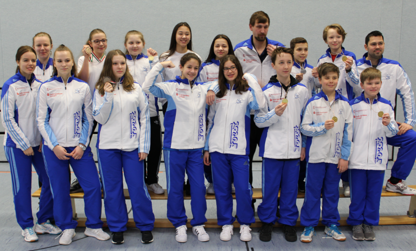 Fechten-6470-NRW-Landesmeisterschaften-Medaillenjubel