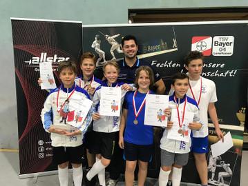 Degenfechten: Schüler und B-Jugend erkämpfen Team-Medaillen