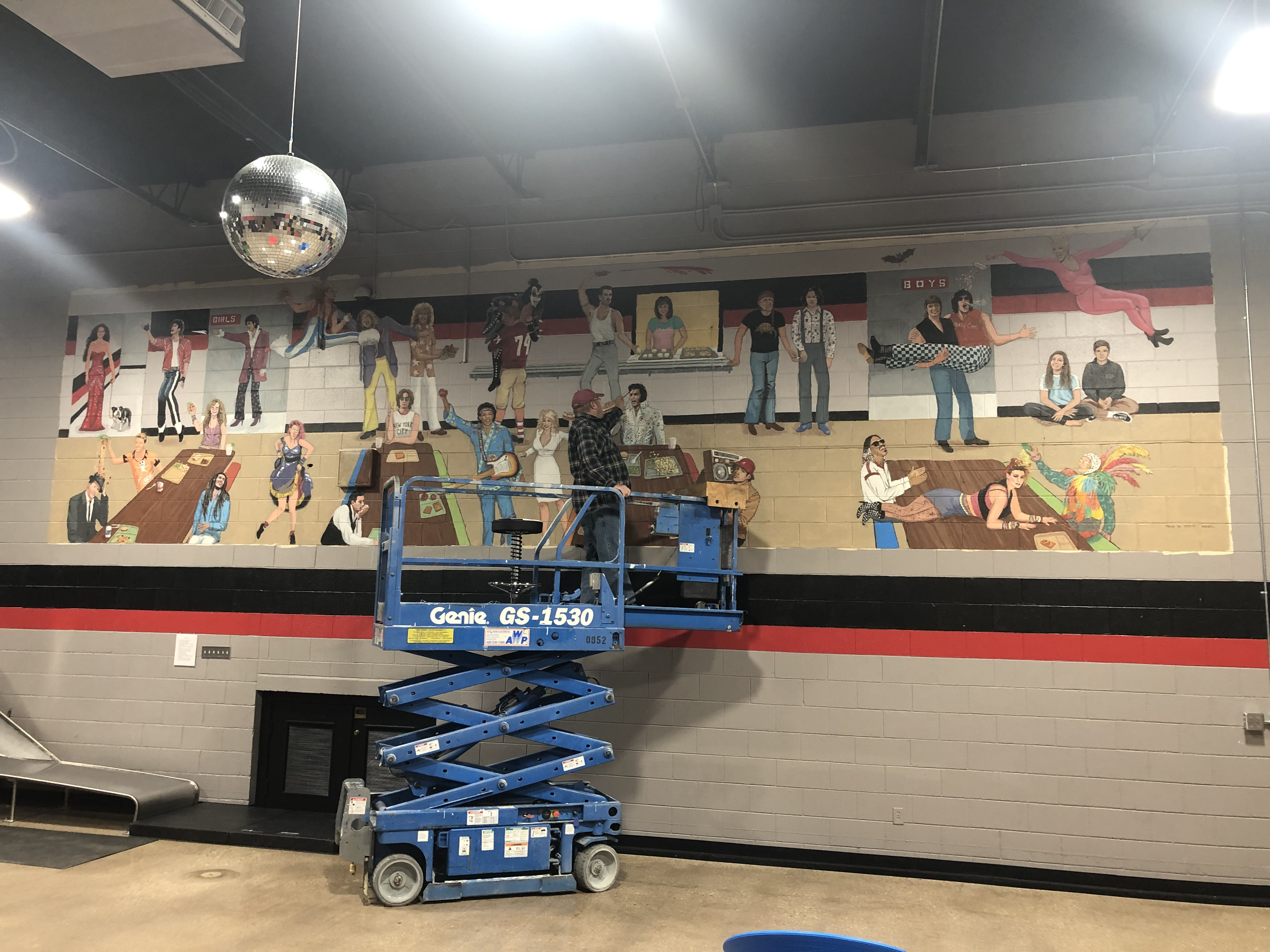 steve - old school mural artist