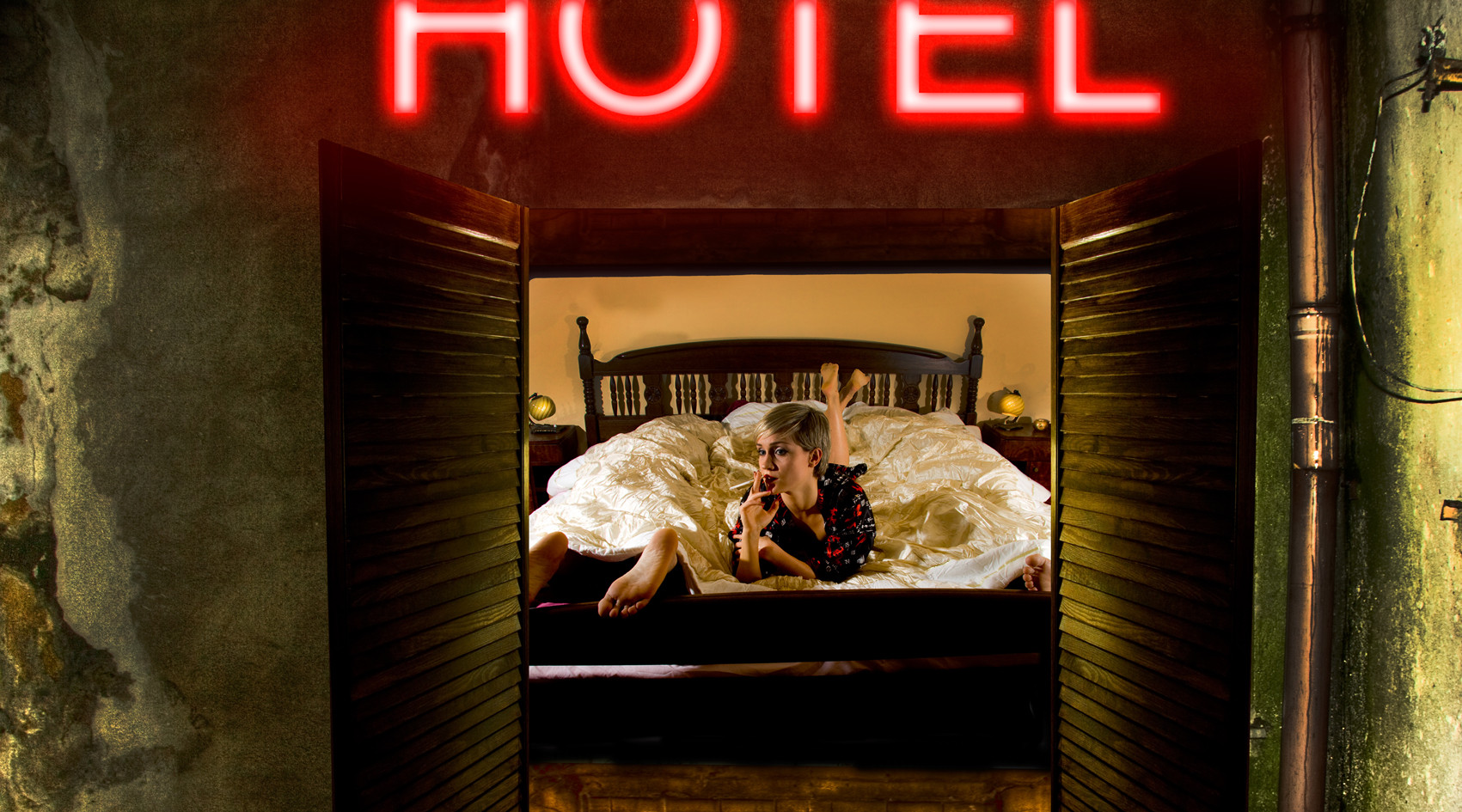 hotelsmall.jpg