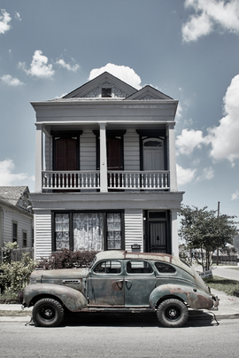 old-car-new-orleans-st-claude.png