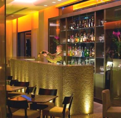 Drinks at Berties - Royal Garden Hotel