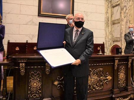 El Dr. Miguel Ángel Sanz distinguido por Joan Ribó con el premio 'Certamen Médico' en Valencia