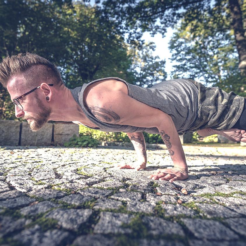 KURS: Yoga für Männer mit Karl Vogl