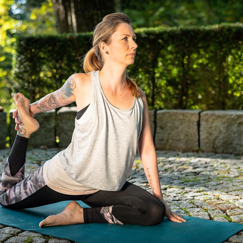 Yin Yoga mit Nicole Vogl