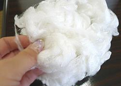 エンバランス加工によりポリエステルとして繊維になった場合、消臭効果が確認されています。
