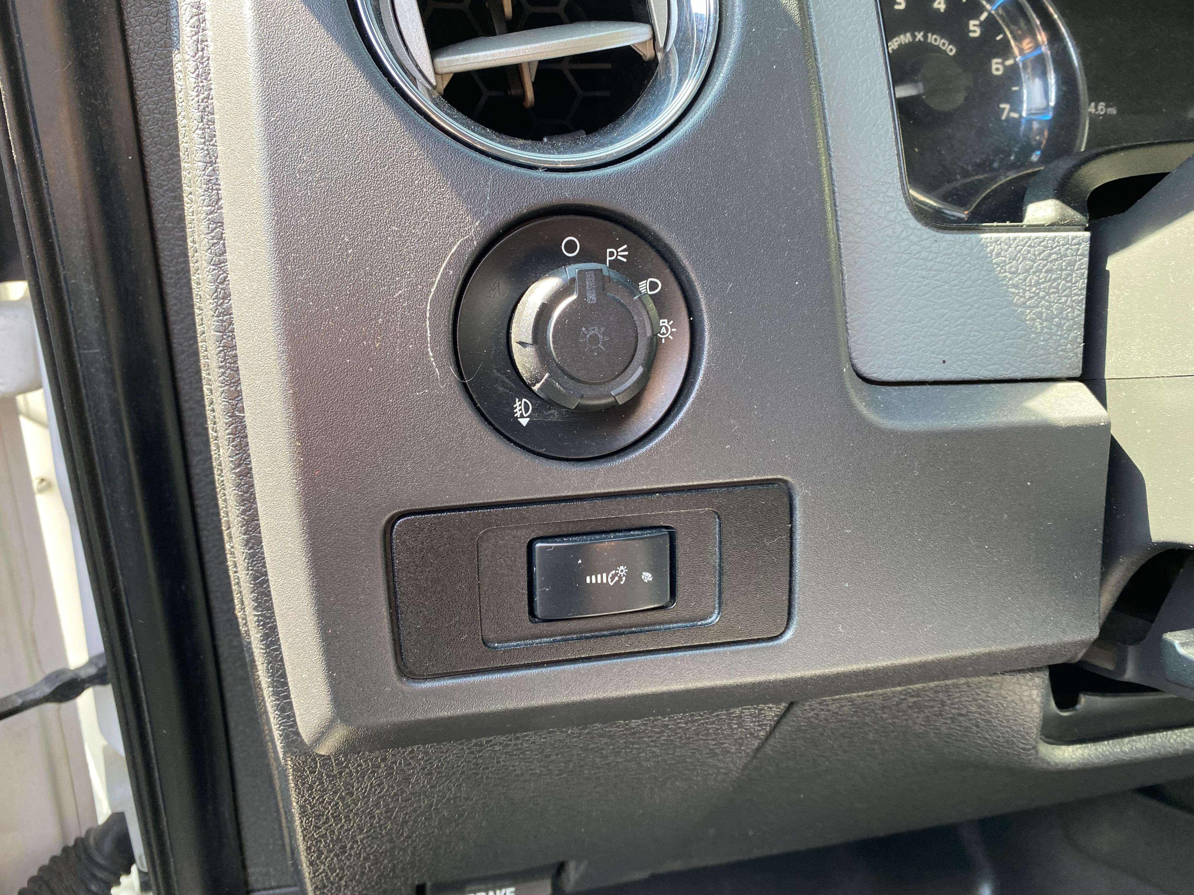 2011 Ford F-150 XLT Crew Cab