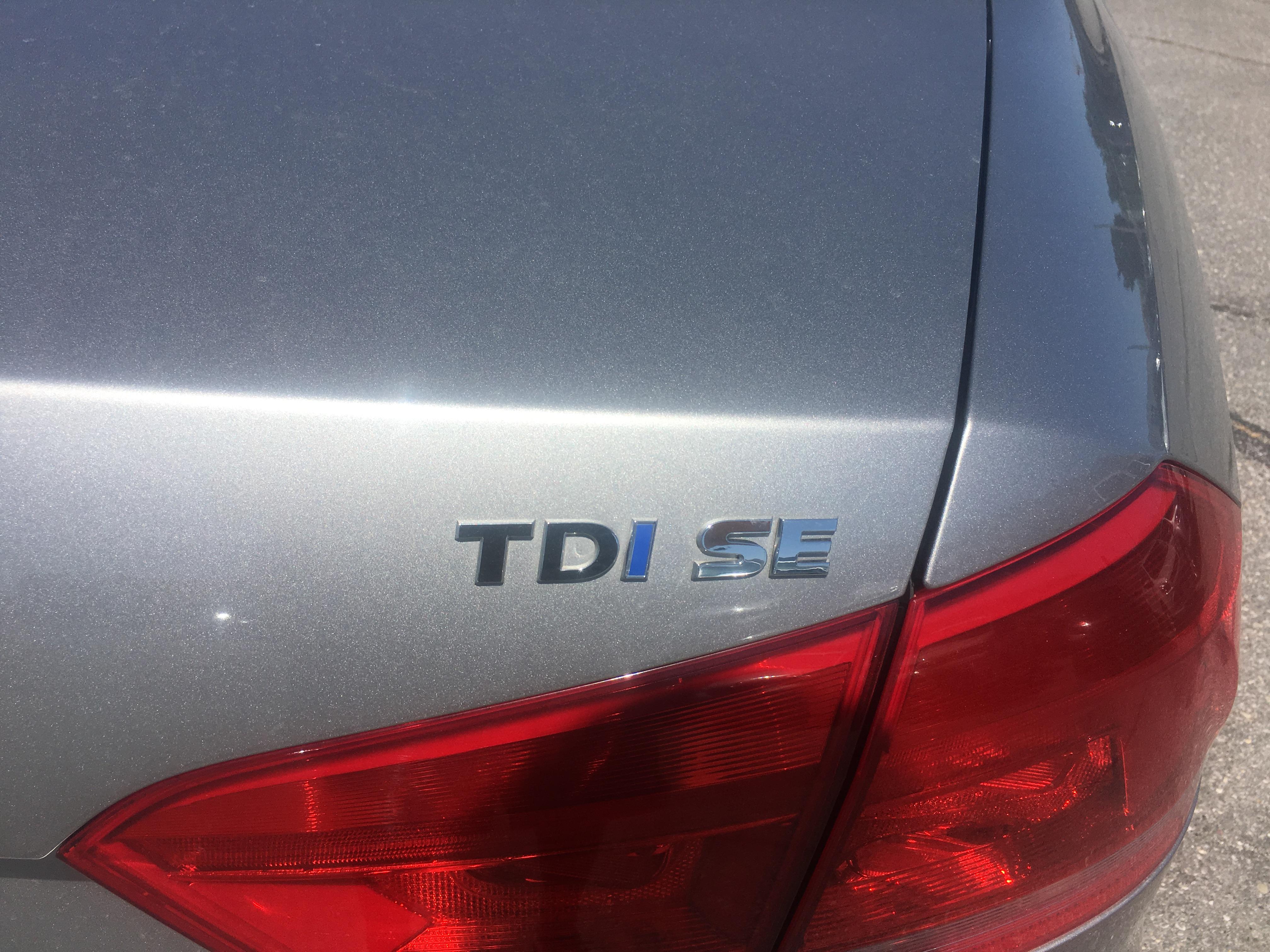 2014 Volkswagen Passat TDI - SE