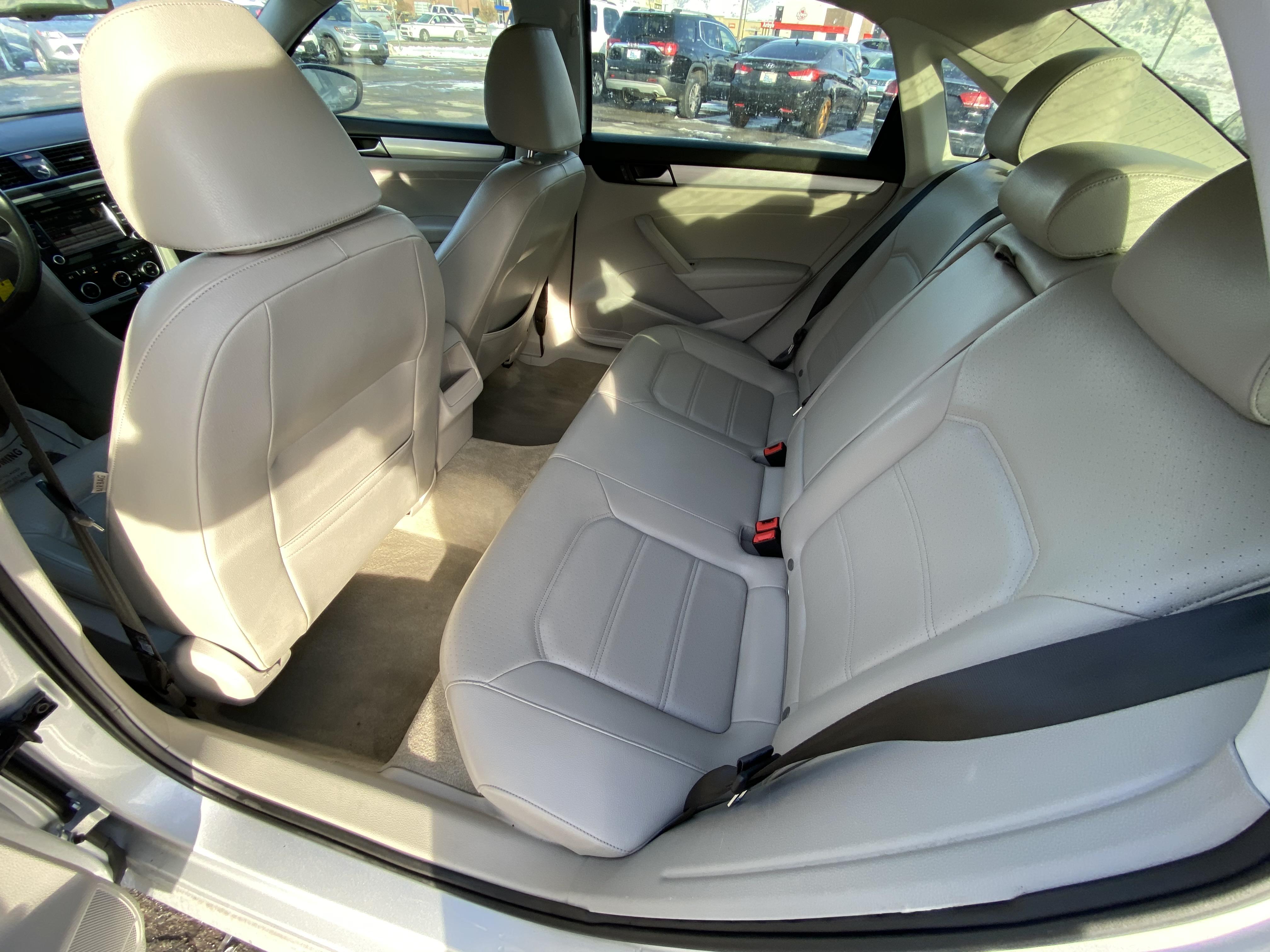 2012 Volkswagen Passat TDIG_0344