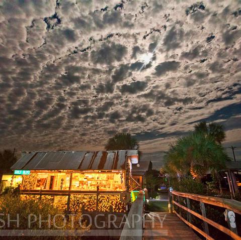 Hideaway Tiki Bar Full Moon
