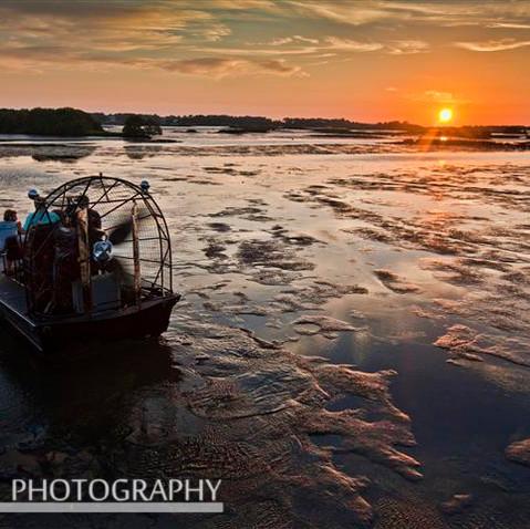 Tidewater Tours Leaving Hideaway Tikibar