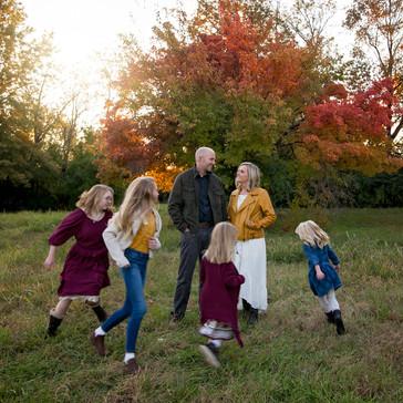 Choosing a Good Outdoor Location for Kansas City Family Photos