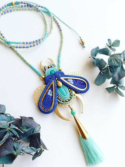 Collier/sautoir coléoptère bleu
