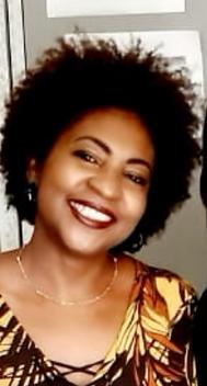 Sou Mari Martins, militante do movimento negro e do movimento de mulheres negras do Maranhão, formada em comunicação social com habilitação em jornalismo, especialista em sociologia, mestra em comunicação e semiótica pela PUC/SP. Tenho desenvolvido estudos, pesquisas e trabalhos na área de desenvolvimento sustentável da população negra, com viés nas políticas públicas de educação, saúde, desenvolvimento social e direitos humanos, com recorte de gênero, raça e etnia, e geração. Na vida acadêmica estudo mídia e racismo, já produzir e contribuir com textos/roteiro para produção de 4 documentários com contexto em cultura popular maranhense e comunidades quilombolas.