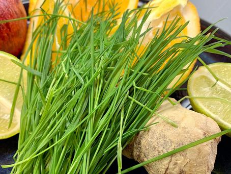 Antiinflammatorisk juice med vetegräs