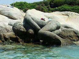 kavourotrupes_portokali_beach_mermaid.jp