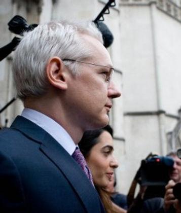 Julian_Assange_5_450_300_90_s_c1.jpg
