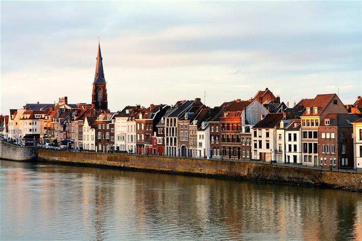 Du học Hà lan: Học bổng cho sinh viên quốc tế tại đại học Maastricht, Netherlands