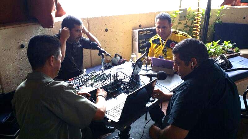 Discutiendo politica Mauricio Iturri