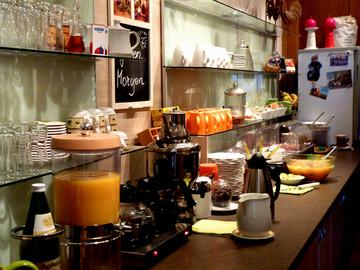 Frühstücksbuffet 02 -klein.jpg