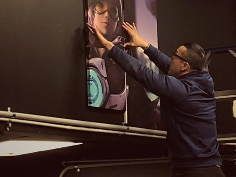 Peter getting intimate with Tracer