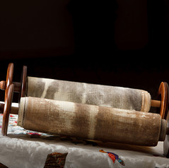 Torah-02.jpg