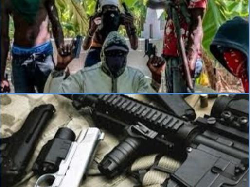 14 MORTS ET PLUS D'UN  MILLIER DE MAISONS DETRUITES, DANS UN AFFRONTEMENT ENTRE DEUX GANGS ARMÉS.