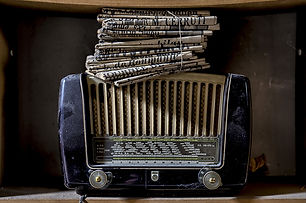 Radio_Retro_Newspaper_451591.jpg