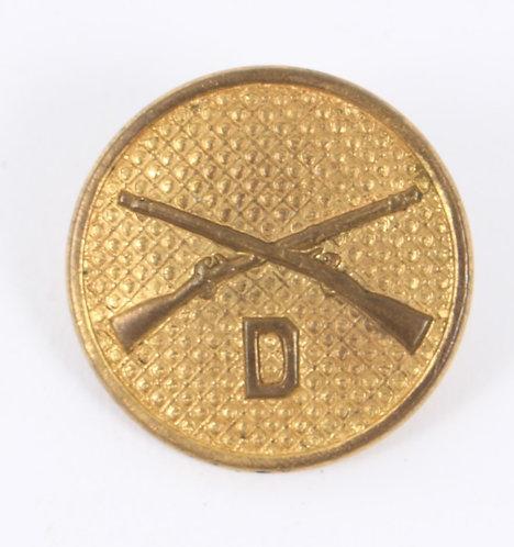 US Army type II D Co Infantry EM / NCO Gilt collar disc insignia