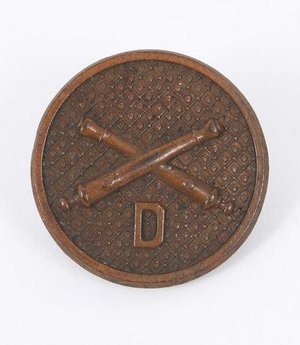 WWI US Army Artillery D Co EM / NCO collar disc insignia