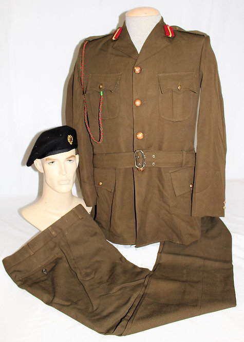 Iraqi Army General Officer dress uniform grouping