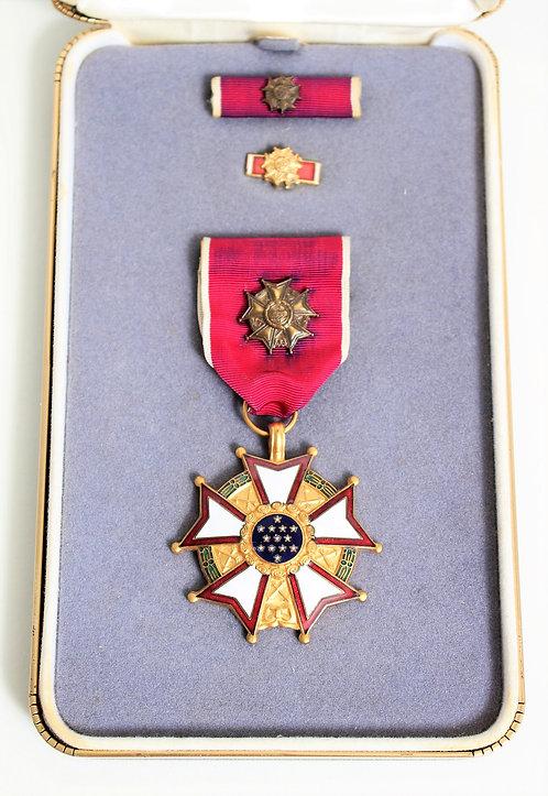 US Medal Legion of Merit Medal set Officer Grade