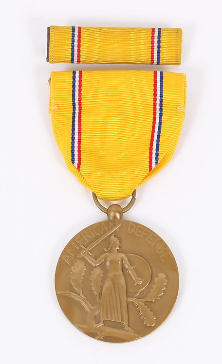 WWII US Armed Forces American Defense Medal & Ribbon