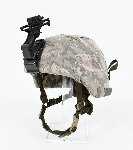 US ARMY ACH COMBAT HELMET WITH NVG MOUNT