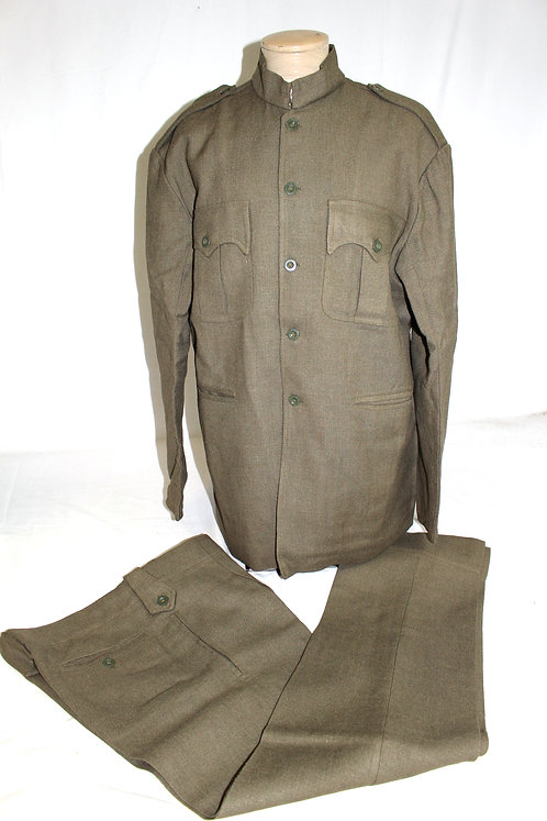 Early Saddam era Iraqi Officer full dress uniform